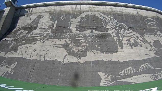 Gigantyczny ekologiczny mural w solinie jest ju gotowy for Mural na tamie w solinie