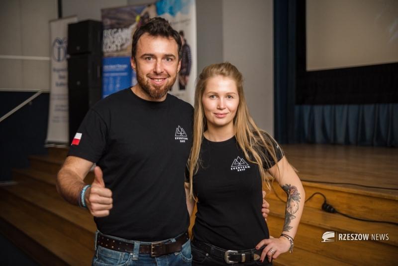 Sylwia Bajek z Rzeszowa zdobyła Lhotse! Została najmłodszą Polką na szczycie!