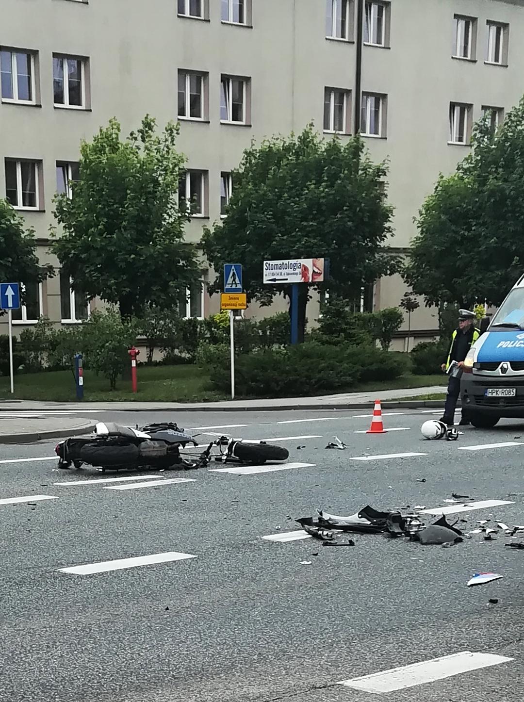 Wypadek w Rzeszowie. Zderzenie 26-letniego motocyklisty ze skodą