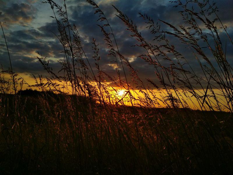 Piękny zachód słońca w podrzeszowskiej Racławówce [ZDJĘCIA CZYTELNIKA]