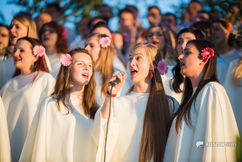 16. koncert Jednego Serca Jednego Ducha w czwartek w parku Sybiraków