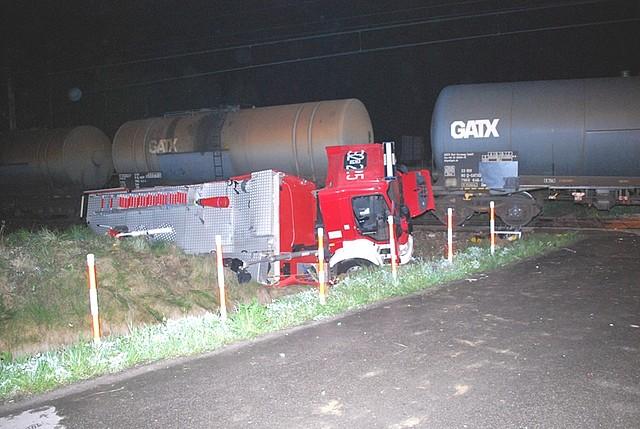 Wóz strażacki zderzył się z lokomotywą