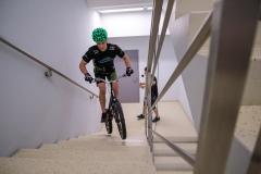 23.02.2019 Warszawa . Krystian Herba skok na budynek RONDO1Fot. Patryk Ogorzalek / Herba Team