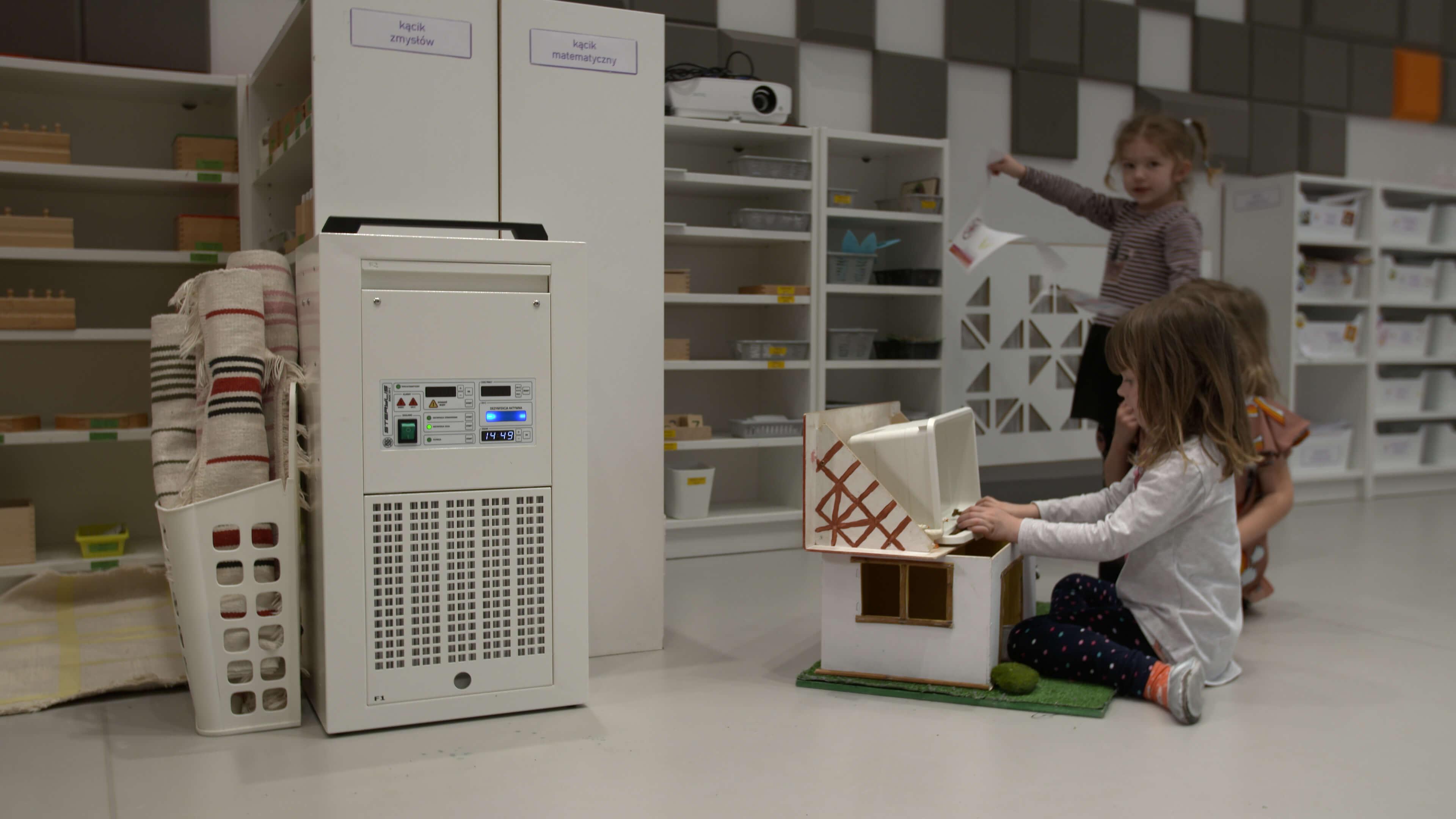 MEDIA-Montessori.00_26_27_08.Still015