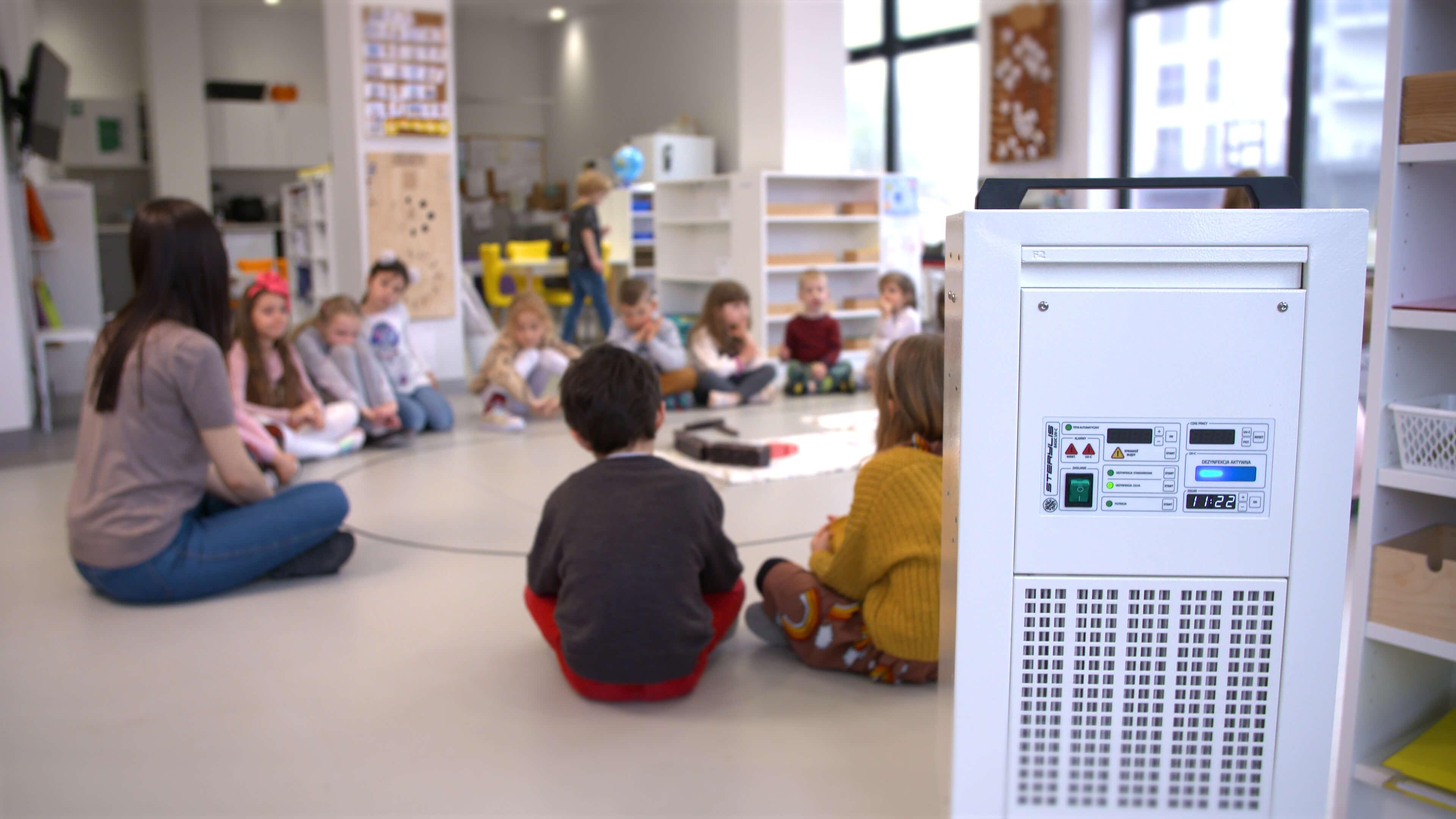 Montessori_Rzeszow_v4.00_01_01_37.Still013